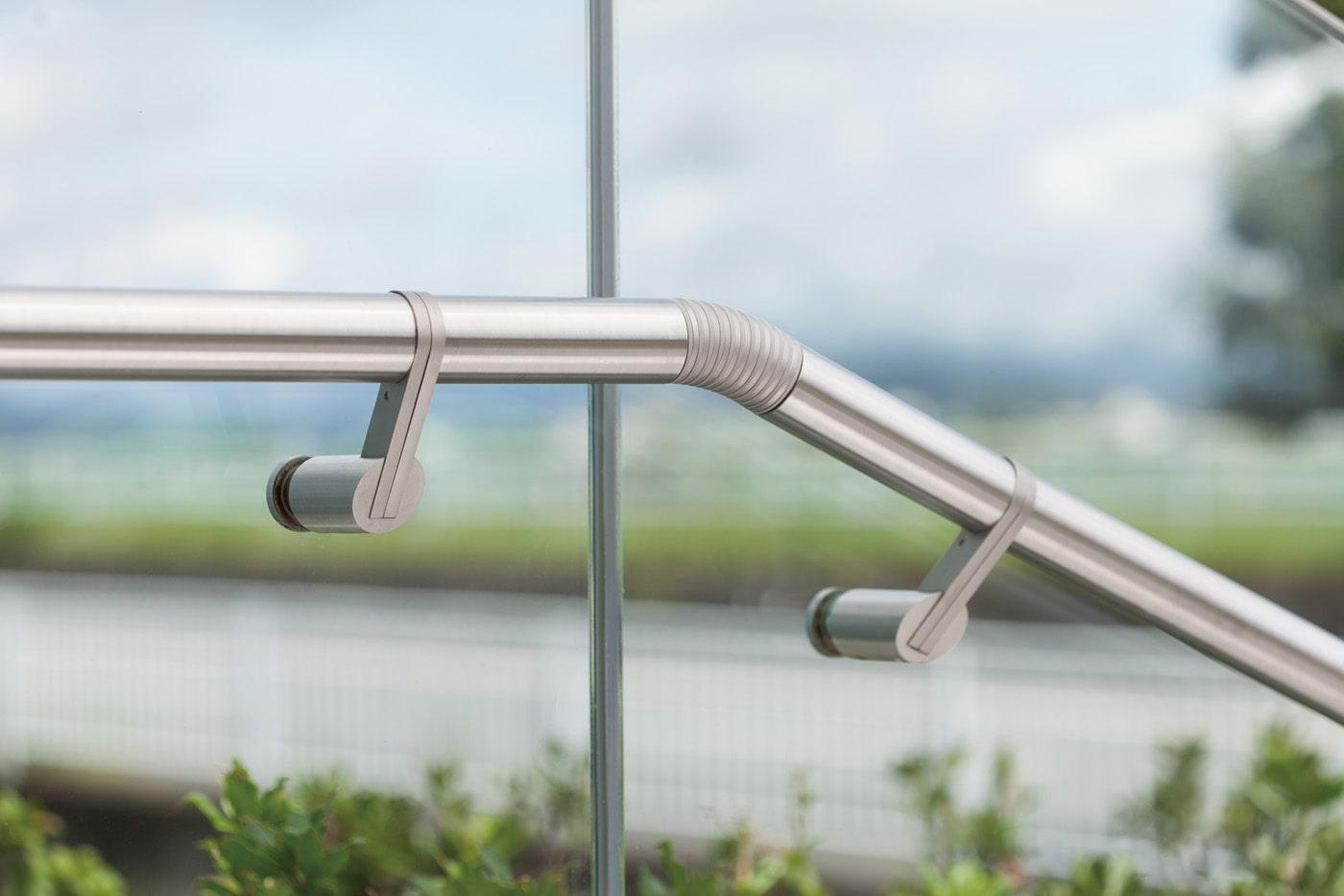 ハンドレール 14-6039型、14-6030型の施工例・採用事例