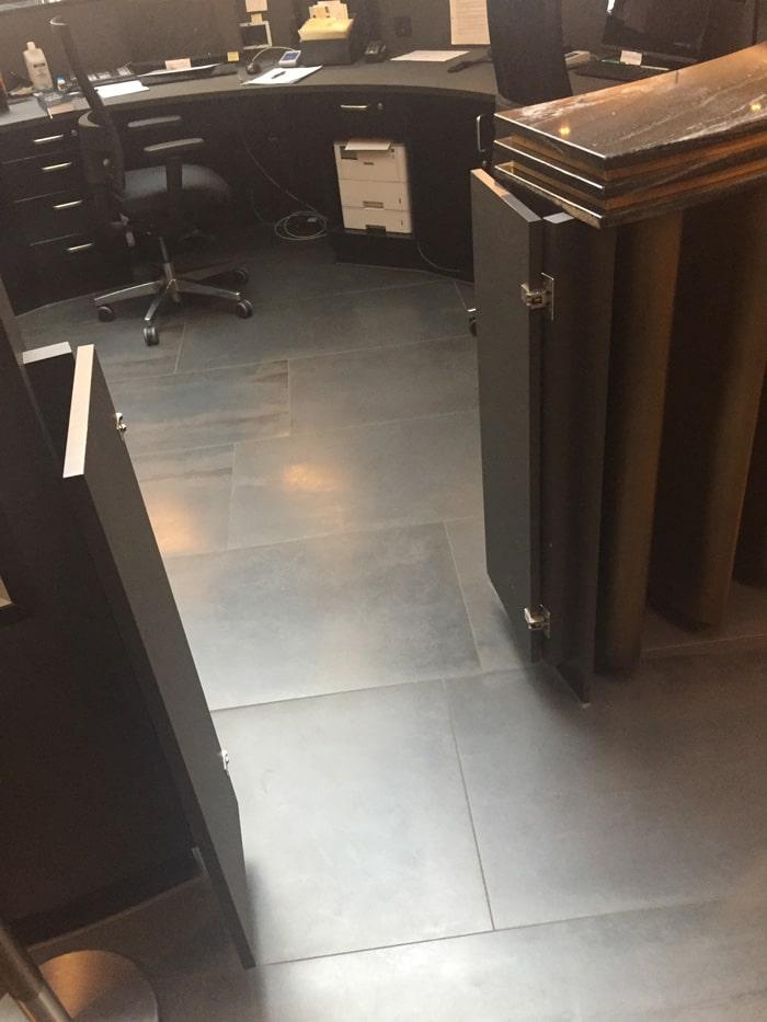 スイングドアヒンジ 4000型、4500型の施工例・採用事例