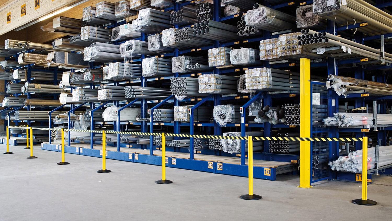 屋外用ベルトパーティション 80-5000型の施工例・採用事例