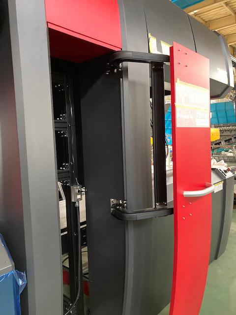 モノフラットリンクスヒンジ LIN-X800型の施工例・採用事例