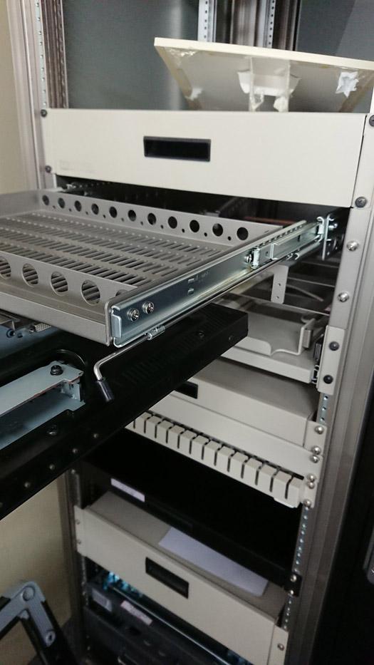 スライドレール C2731FL デュアルフリップロックタイプの施工例・採用事例